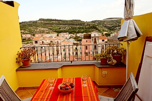 Roof Terrace Apartment, for rent in Bosa